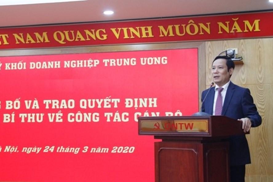 Ông Phạm Tấn Công - Phó Bí thư thường trực Đảng ủy Khối phát biểu giao nhiệm vụ. Ảnh Anh Tùng