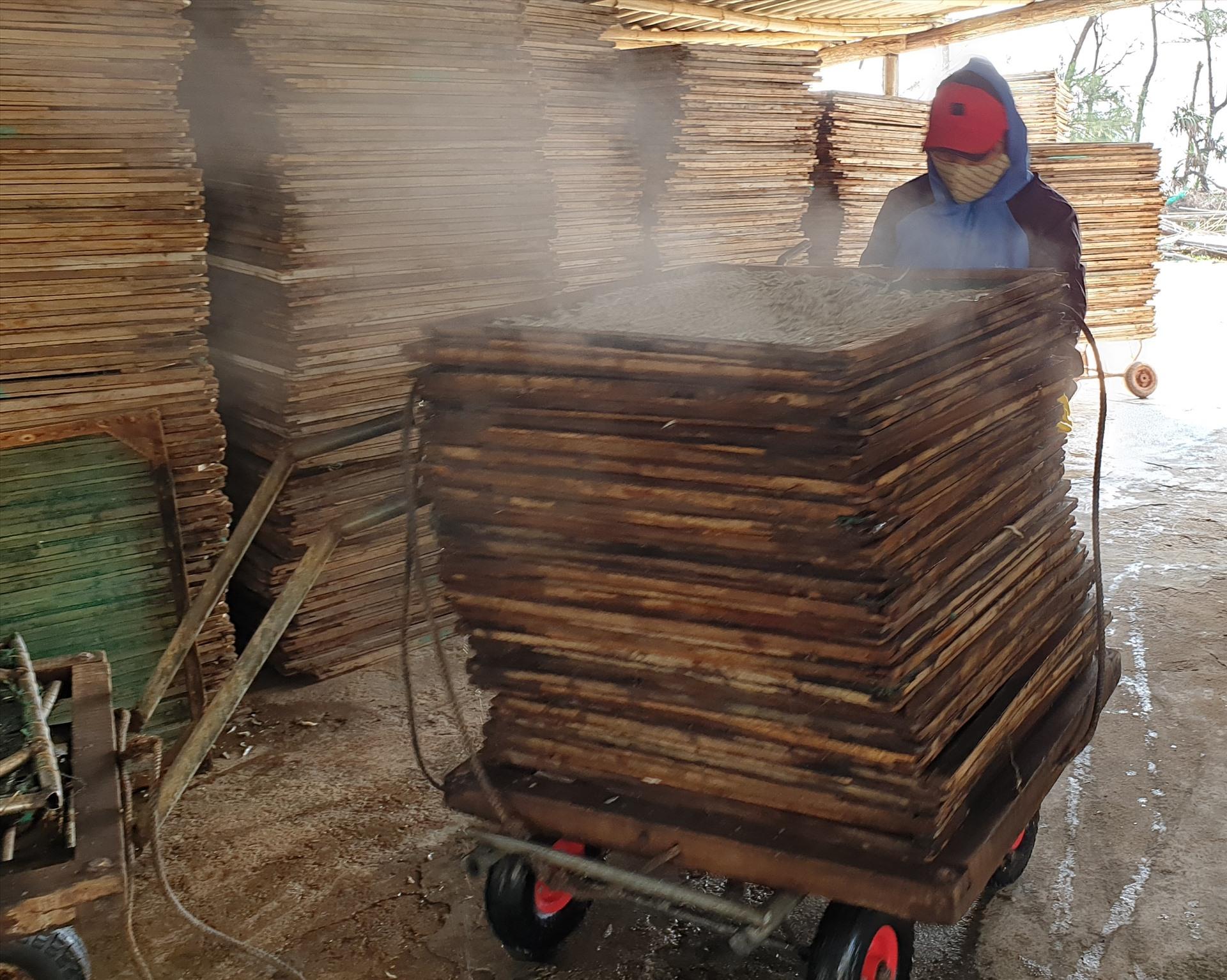 Đỏ lửa làng nghề hấp cá ở Bình Minh - 5