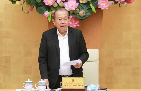 Phó Thủ tướng Thường trực Chính phủ Trương Hoà Bình phát biểu tại cuộc họp. Ảnh: VGP/Lê Sơn
