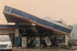Lai Châu: Xe tải lao vào cây xăng khiến 1 người chết, 5 người bị thương