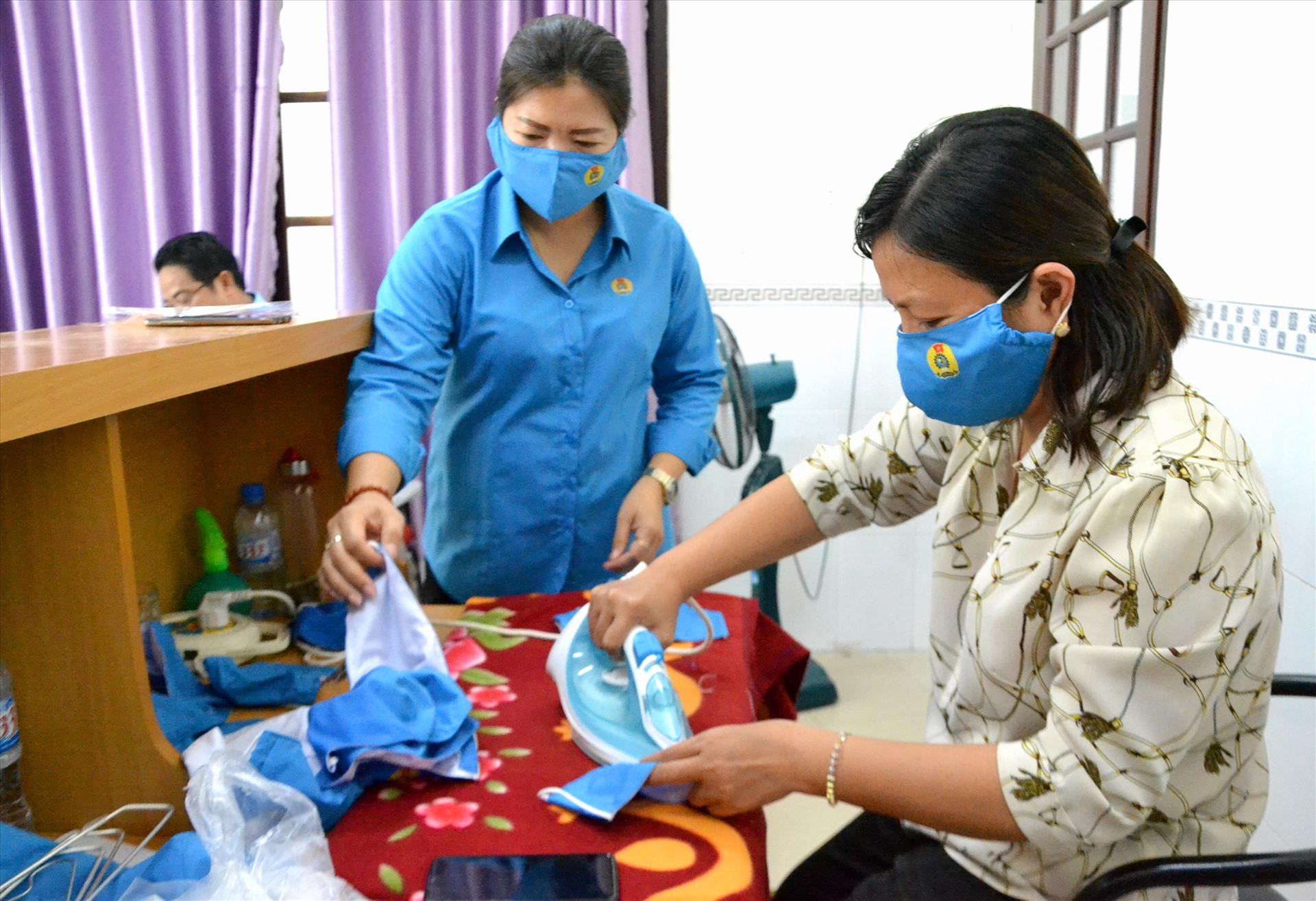 Sản phẩm được giặt, ủi trước khi đóng gói nên sử dụng được ngay. Ảnh: LT