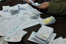 Cách ly xã hội: Cấp mới và gia hạn thẻ Bảo hiểm y tế được thực hiện ra sao?