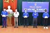Trao huy hiệu Tuổi trẻ dũng cảm cho 3 thanh niên cứu người