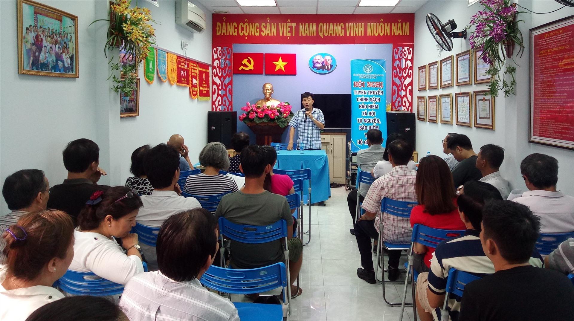 Một buổi tuyên truyền phát triển BHXH tự nguyện của BHXH Quận 1. Ảnh Thế Mỹ
