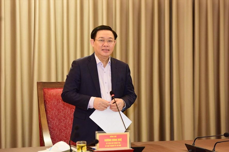 Bí thư Thành uỷ Hà Nội Vương Đình Huệ làm việc với Uỷ ban Kiểm tra Thành uỷ.