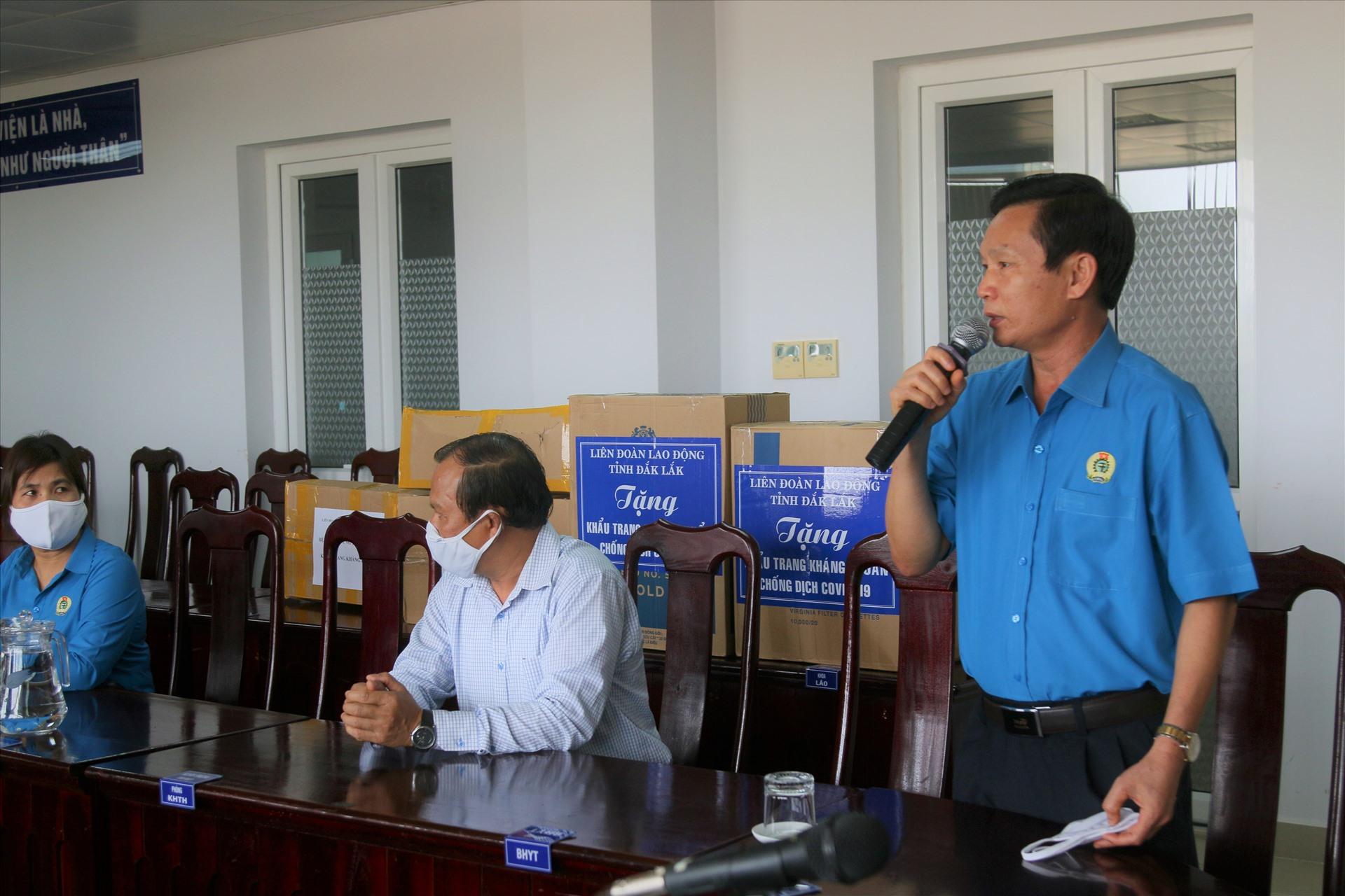 Ông Nguyễn Công Bảo - Chủ tịch LĐLĐ tỉnh Đắk Lắk phát biểu. Ảnh: B.T