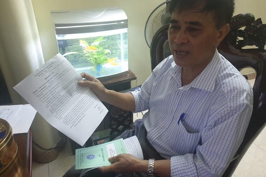 Ông Chu Hồng Điệp, cán bộ của công ty cổ phần công trình giao thông 116 cho biết chấp nhận mất gần một nửa lương hưu để được về hưu. Ảnh Trần Tuấn