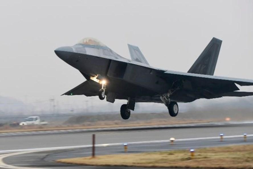 Tiêm kích tàng hình F-22. Ảnh: AFP.