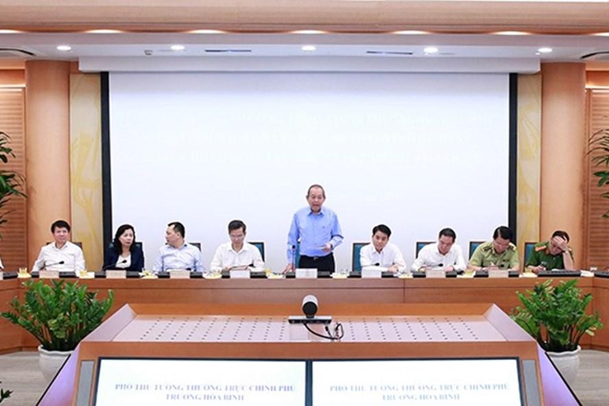 Phó Thủ tướng Thường trực Chính phủ Trương Hòa Bình chủ trì buổi làm việc. Ảnh: hanoi.gov