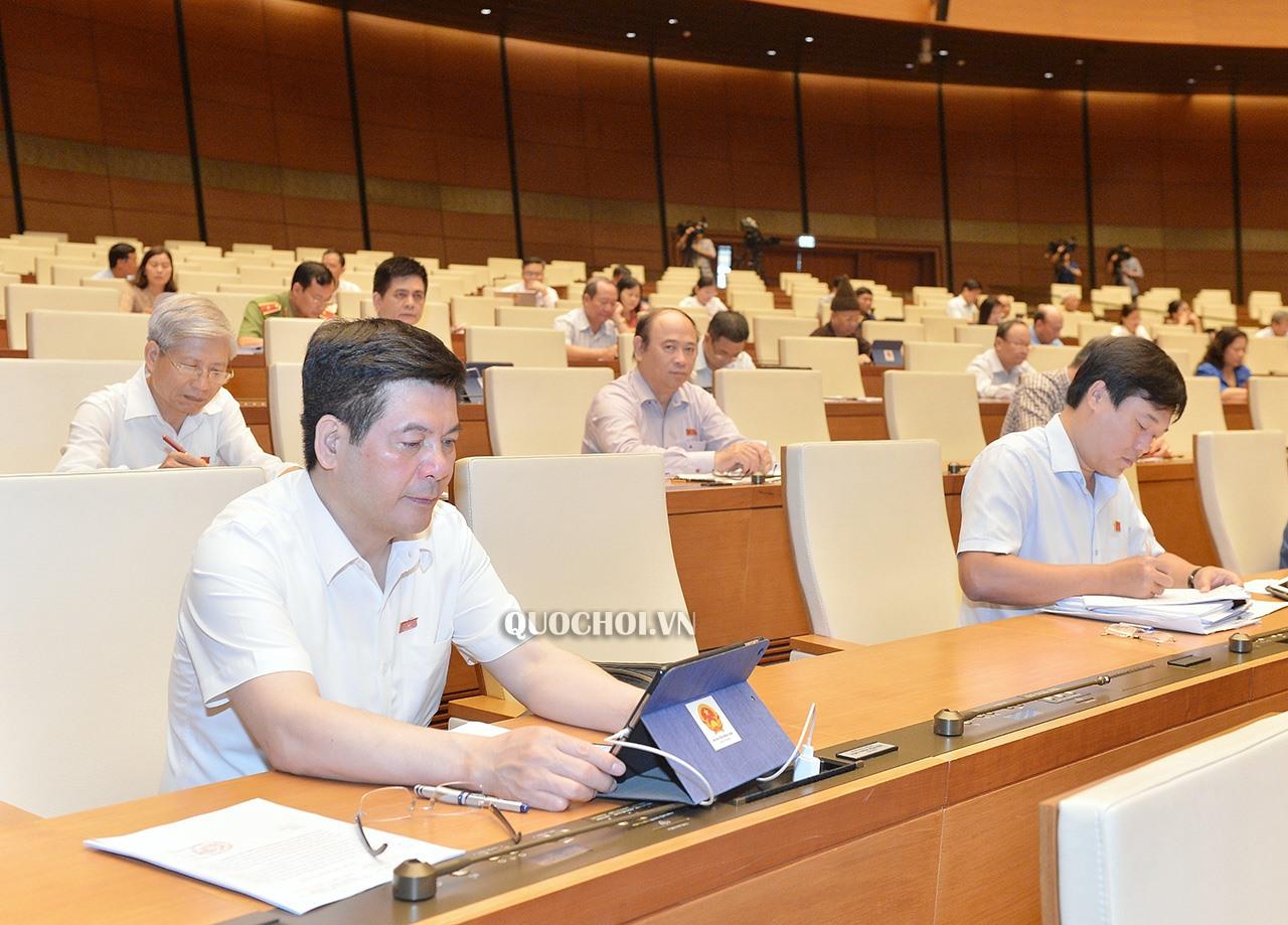 Đại biểu tham dự kỳ họp thứ 9, Quốc hội khóa XIV. Ảnh Quốc hội