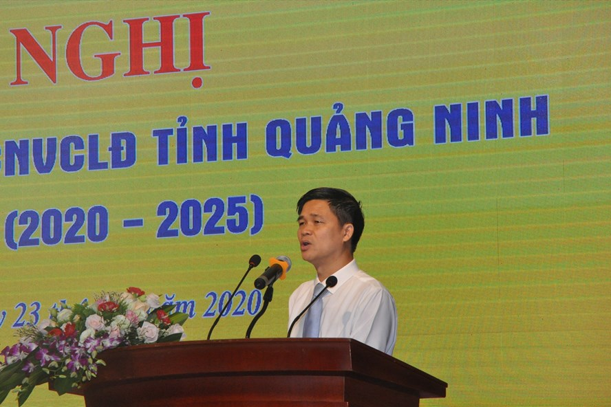 Phó Chủ tịch Tổng LĐLĐ Việt Nam Ngọ Duy Hiểu phát biểu chỉ đạo tại hội nghị. Ảnh: Nguyễn Hùng