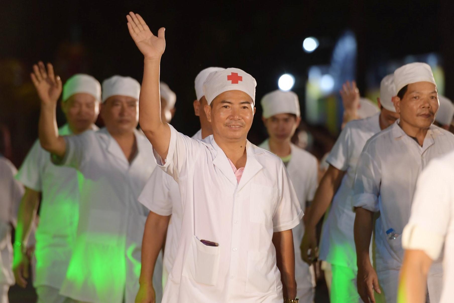 Sự kiện cũng tôn vinh đến những y, bác sĩ trong chiến dịch chống dịch bệnh, bảo vệ sức khỏe người dân.