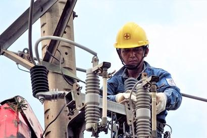 Giảm 812 tỷ đồng tiền điện cho hộ dân, doanh nghiệp bị ảnh hưởng COVID-19