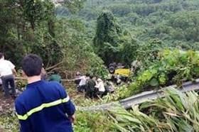 Kon Tum: Xe tải rơi xuống vực sâu, ít nhất 4 người chết
