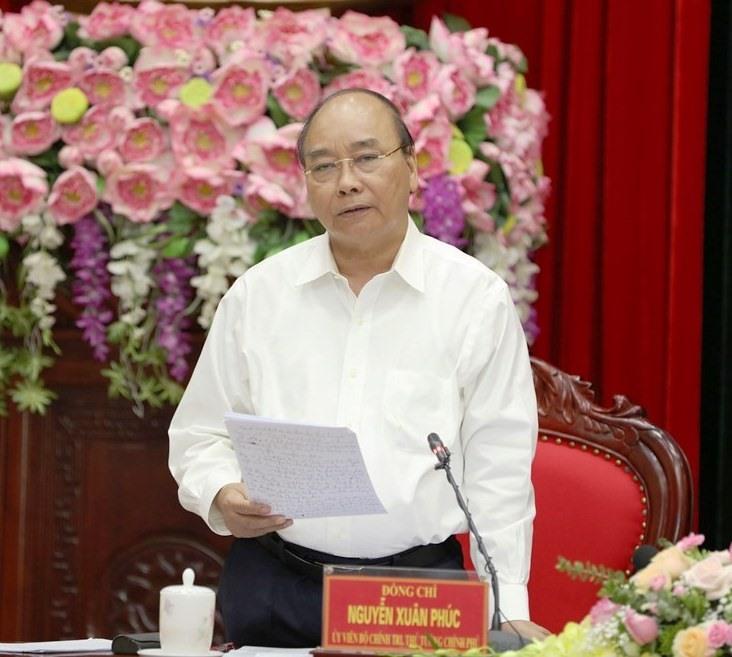 Thủ tướng Nguyễn Xuân Phúc phát biểu chỉ đạo tại buổi làm việc với cán bộ chủ chốt tỉnh Ninh Bình. Ảnh: NT