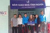 LĐLĐ tỉnh Tiền Giang trao nhà tình nghĩa nhân dịp 27.7