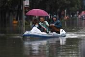 Dù lũ lụt, Trung Quốc là nền kinh tế lớn đầu tiên tăng trưởng sau COVID-19