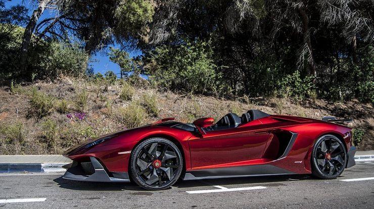 Thiết kế thể thao mui trần Lamborghini Aventador J đã làm người đam mê xe ngất ngây khi nhìn thấy. Ảnh: The Cars