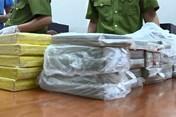 Hưng Yên: Bắt hai thanh niên vận chuyển 54 bánh heroin