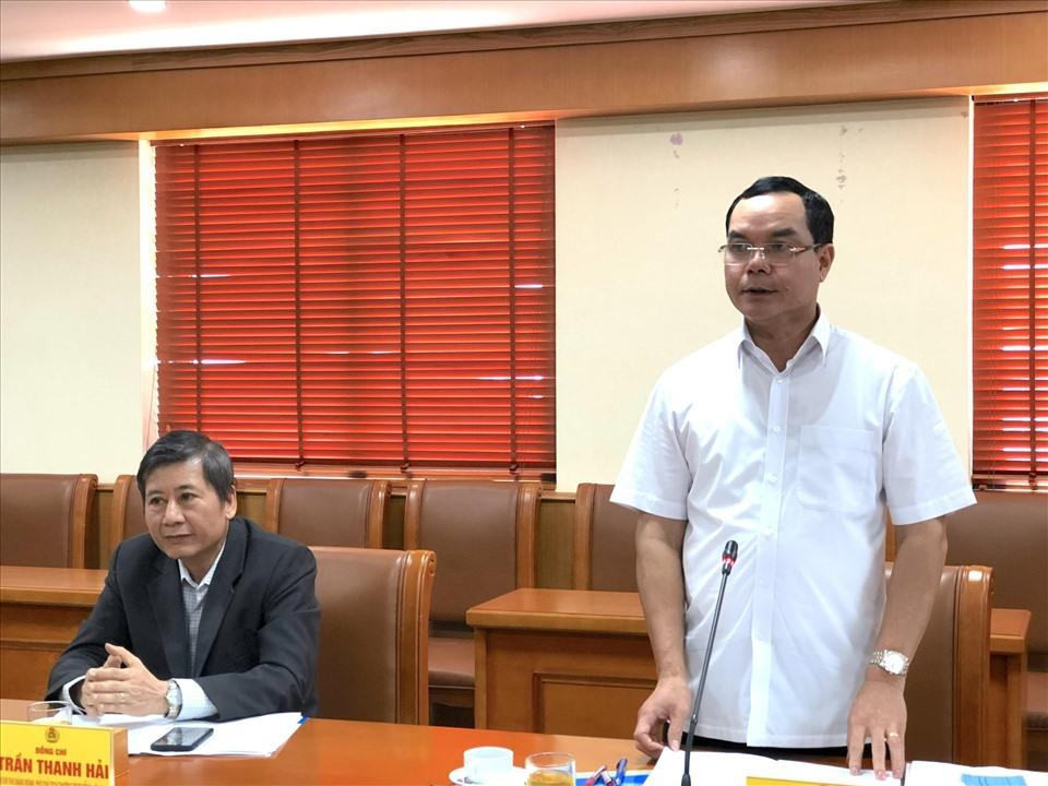 Đồng chí Nguyễn Đình Khang - Uỷ viên Trung ương Đảng, Bí thư Đảng đoàn, Chủ tịch Tổng LĐLĐVN - phát biểu tại buổi làm việc. Ảnh: Bảo Hân