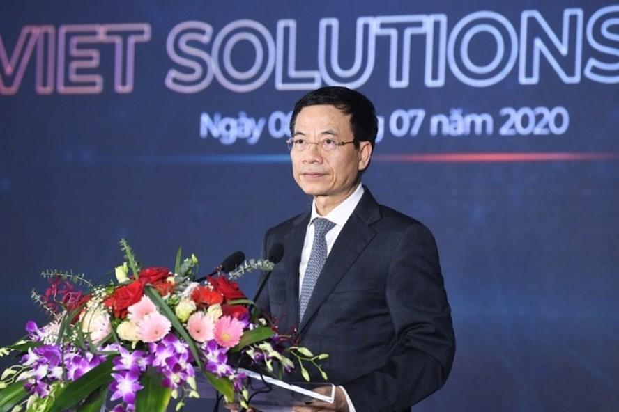 Bộ trưởng Bộ TTTT Nguyễn Mạnh Hùng phát biểu tại lễ phát động cuộc thi Viet Solution 2020.
