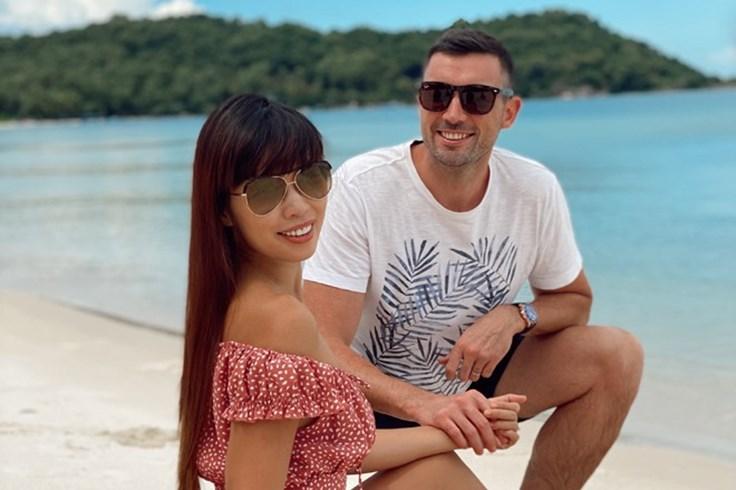 """Siêu mẫu Hà Anh: """"4 năm kết hôn, cảm xúc của vợ chồng tôi vẫn vẹn nguyên"""""""