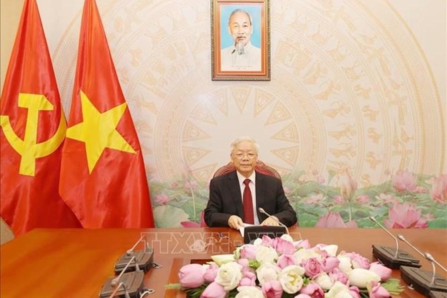 Tổng Bí thư, Chủ tịch Nước Nguyễn Phú Trọng điện đàm với Tổng Bí thư, Chủ tịch Nước Lào. Ảnh: TTXVN.