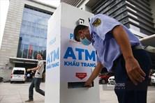 """Cây """"ATM Khẩu trang"""" miễn phí đầu tiên chính thức xuất hiện tại Hà Nội"""