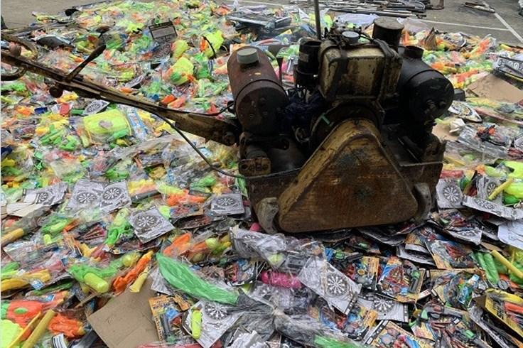 TPHCM: Tiêu hủy hơn 5.000 vũ khí thô sơ, đồ chơi nguy hiểm