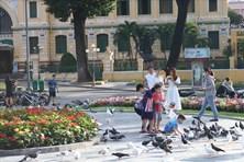 Vực dậy ngành du lịch TPHCM: Người thành phố đi du lịch ngay tại thành phố