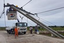 Điện lực Thừa Thiên Huế lên tiếng về 272 cột điện gãy đổ do bão số 5