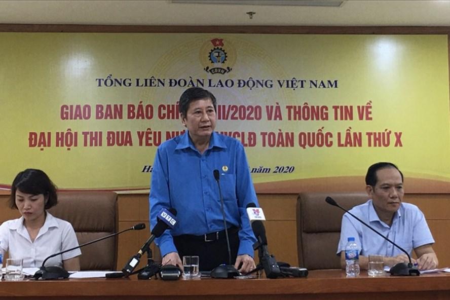 Phó Chủ tịch Thường trực Tổng LĐLĐVN Trần Thanh Hải chủ trì cuộc họp giao ban báo chí quý III và thông tin về Đại hội Thi đua yêu nước trong CNVCLĐ toàn quốc lần thứ X (2020 - 2025). Ảnh: Hải Anh