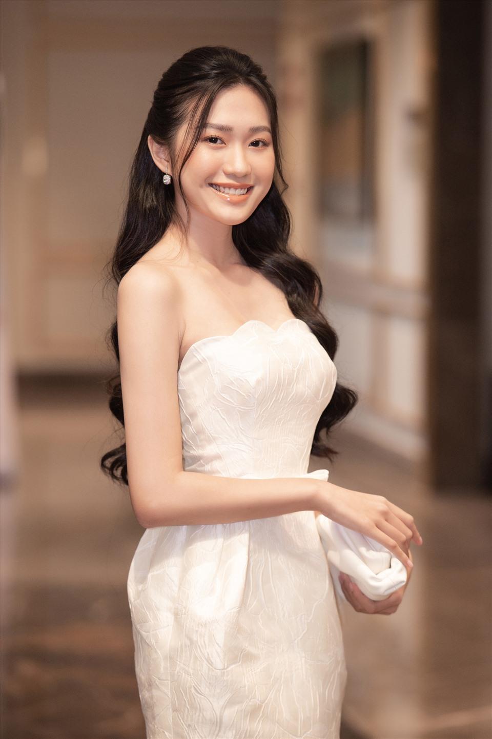 Cùng với Nguyễn Hà My, Doãn Hải My cũng là một ứng thí sinh Hoa hậu Việt Nam tiềm năng. Những bức ảnh của Hải My khi được chia sẻ trên Fanpage Hoa hậu Việt Nam 2020 đã lập tức thu hút được nhiều sự chú ý. Ảnh: HHVN.