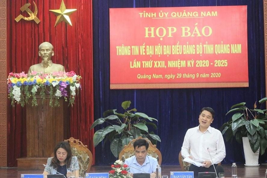 Lãnh đạo Quảng Nam chủ trì cuộc họp. Ảnh: Thanh Chung