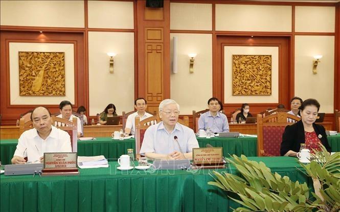 Tập thể Bộ Chính trị do Tổng Bí thư, Chủ tịch Nước Nguyễn Phú Trọng chủ trì, đã làm việc với Ban Thường vụ Thành uỷ Thành phố Hồ Chí Minh.