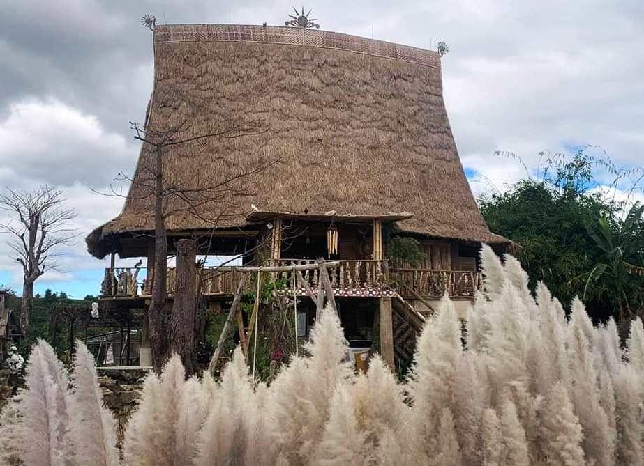 Nhà rông độc đáo ở làng du lịch cộng đồng
