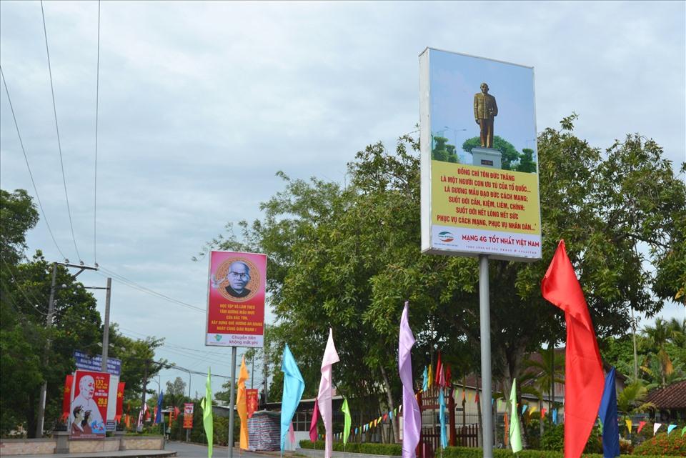 Vào những ngày này, Khu di tích được trang trí trang trọng đón sự kiện 133 năm Ngày sinh Chủ tịch Tôn Đức Thắng (20.8.1888-20.8.2021).