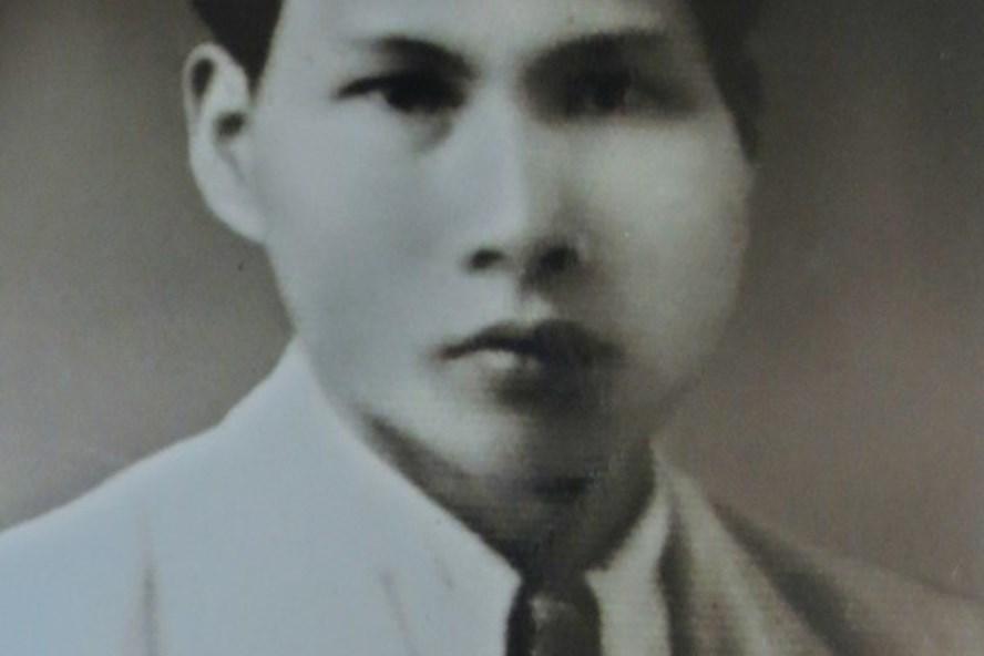 Chân dung ông Trần Mại trong hồ sơ theo dõi của mật thám Pháp