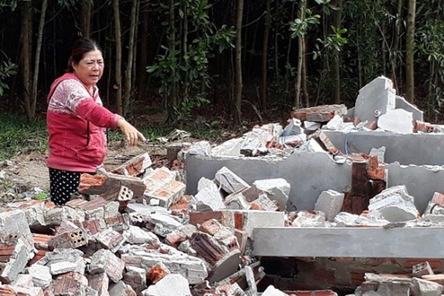 Chuồng heo của người dân bị tháo dỡ ở Quảng Nam.  Ảnh: VNN