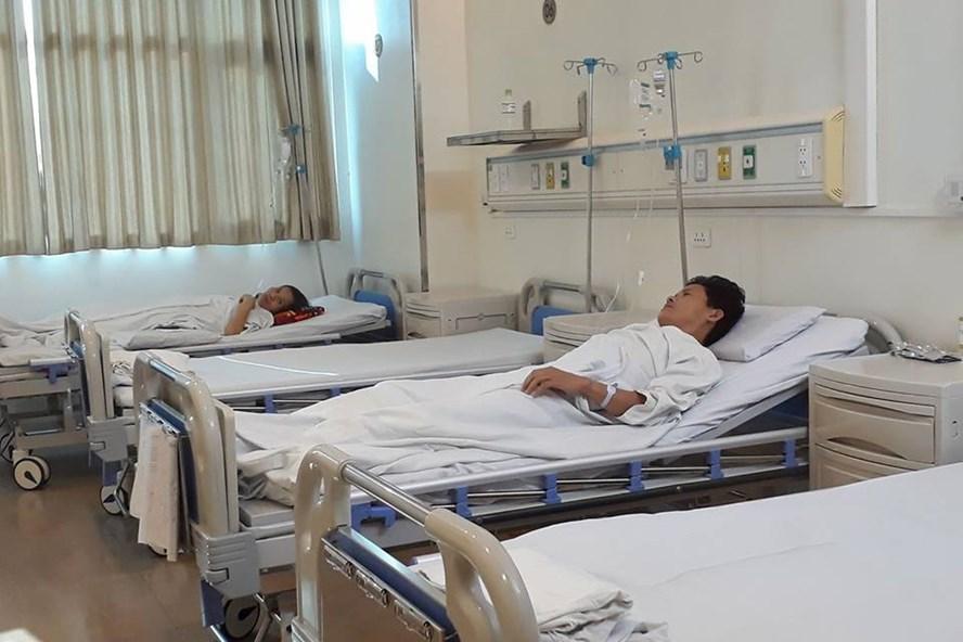 Anh Dương Văn Tiến đang hồi phục sau khi hiến 60% gan cứu con gái (Ảnh: Thùy Linh)