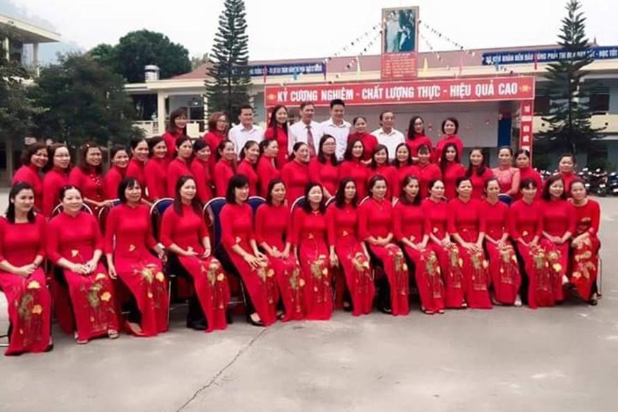 Tập thể, các thầy cô giáo Trường THCS Minh Khai luôn tham gia tích cực các phong trào nhằm nâng cao chất lượng giảng dạy