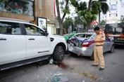 """Vụ """"xe điên"""" gây tai nạn trên phố Bà Triệu khiến 2 người thương vong: Sẽ khởi tố lái xe bán tải"""
