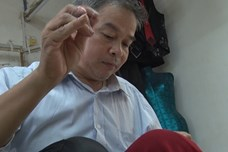 Độc nhất Việt Nam ngôi làng đàn ông đổi vai với đàn bà