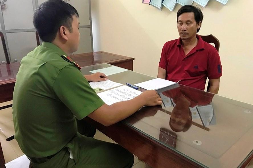 Đối tượng Nguyễn Văn Bao tại cơ quan Cảnh sát điều tra. Ảnh: NT