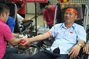 Gần 1.000 bạn trẻ tham gia Ngày hội hiến máu - Sắc màu Hành trình Đỏ 2017