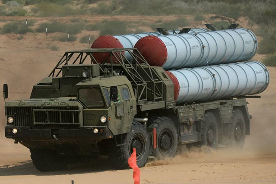 Hệ thống tên lửa phòng không S-300.