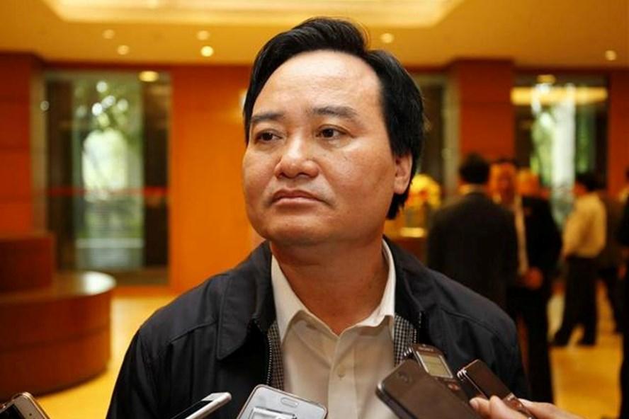 Bộ trưởng Phùng Xuân Nhạ trả lời báo chí sáng 14.11 (Ảnh: Q.H)