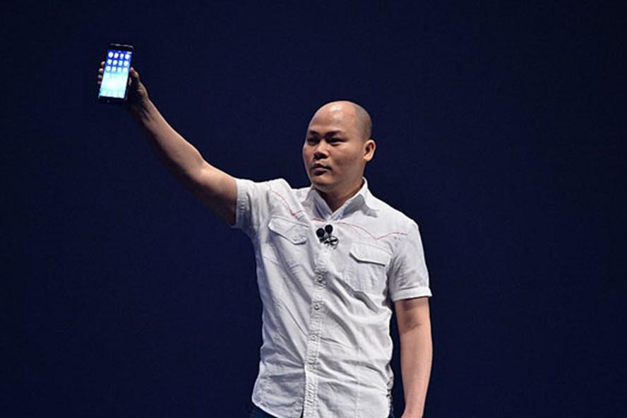 Ông Nguyễn Tử Quảng tại sự kiện ra mắt Bphone 2017 ngày 8.8.2017.
