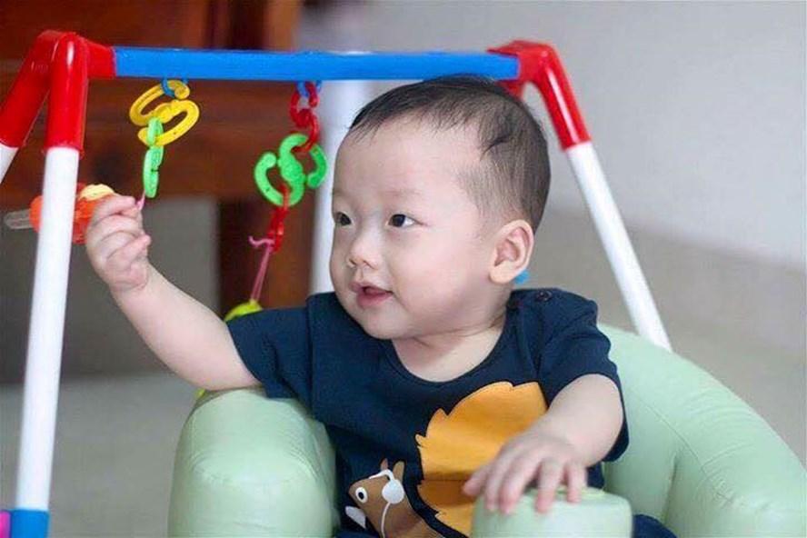 Bé Gấu - con trai thiếu úy Đậu Thị Huyền Trâm - đã tròn 1 tuổi. Ảnh: Hà Tĩnh