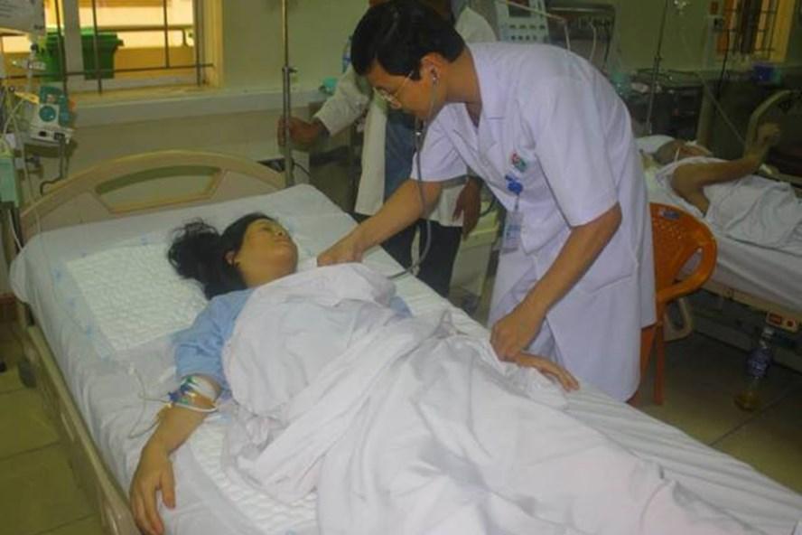Sản phụ Huệ sau khi được phẫu thuật thành công. Ảnh: LM